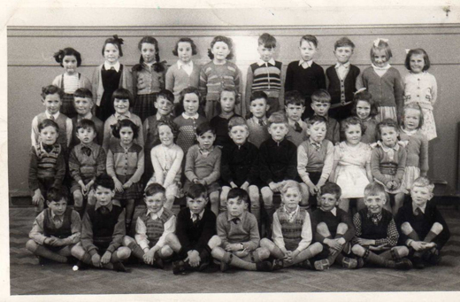 school-class-photo-1957