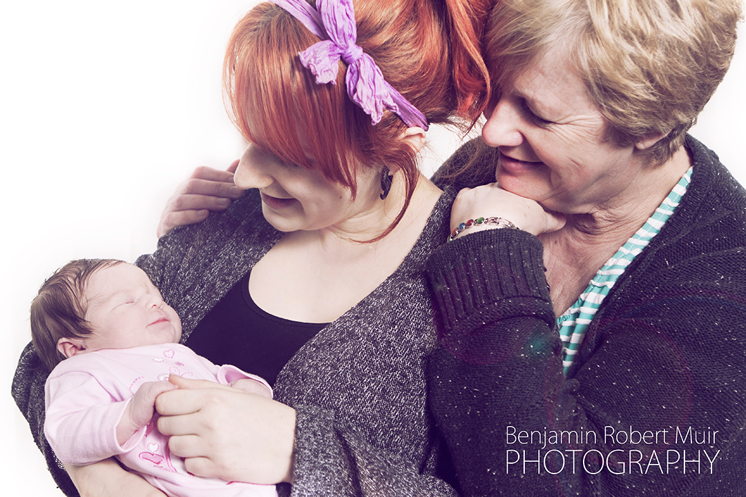 BenjaminRobertMuir-Family-Photographer-Bristol-UK-Proud-Mums-Newborn